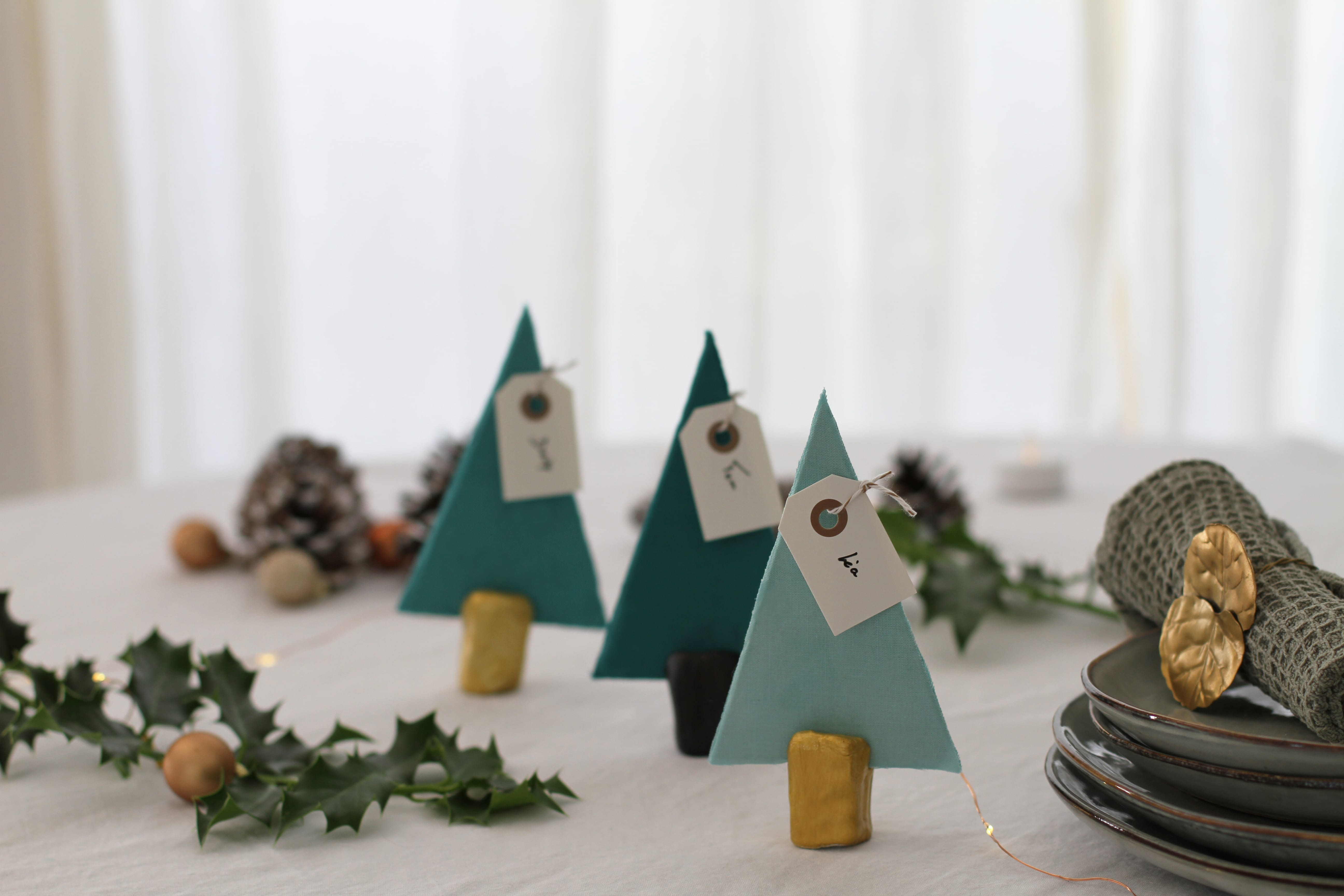 DIY déco de Noël : les marques-places sapin !