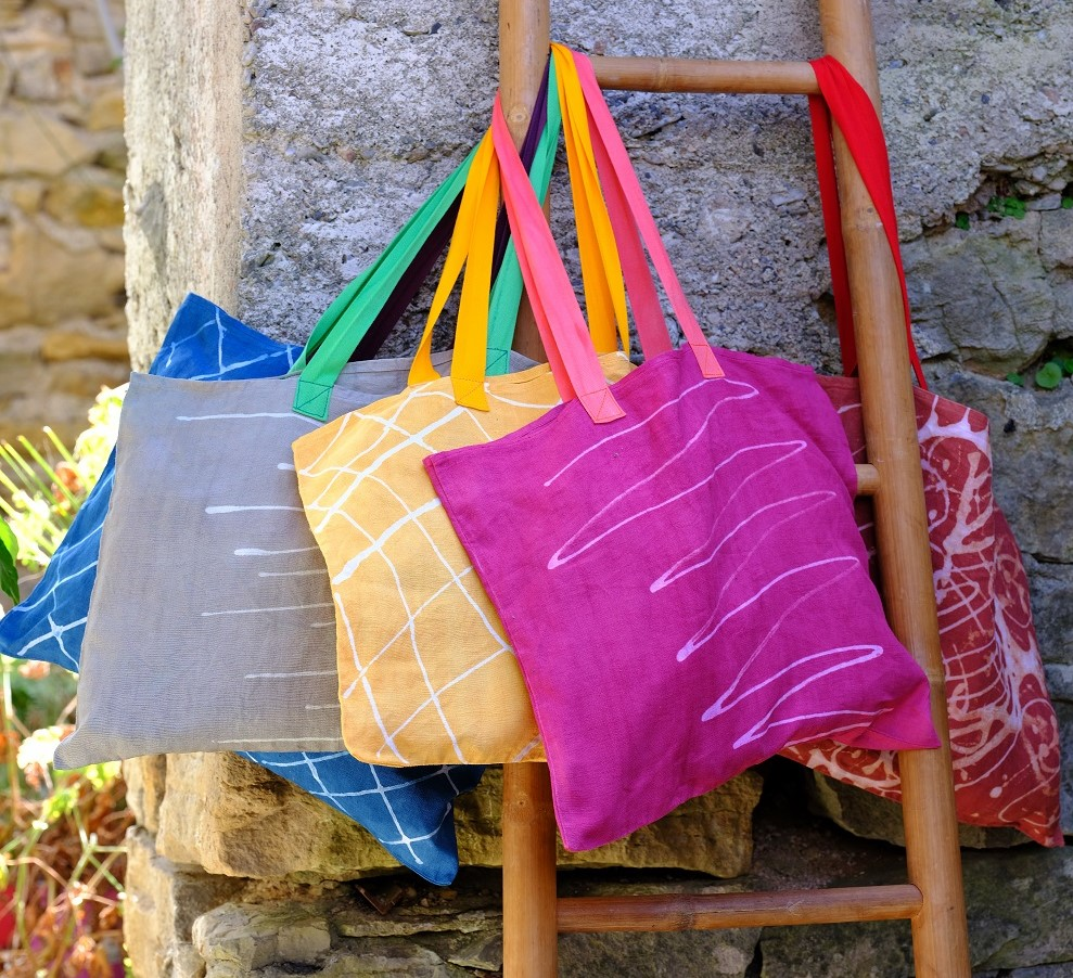 Tuto : je décore un sac en tissu avec de la teinture